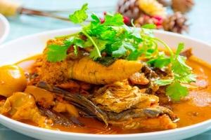 淮扬菜大厨教你鱼杂在家这么做,操作简单方便,比饭店烧的还香